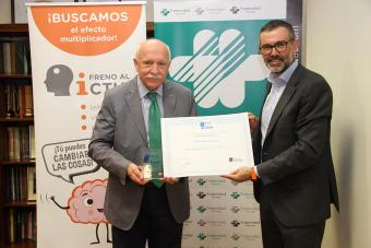 Carlos Aranda recibe sello Brain Caring People Empresa